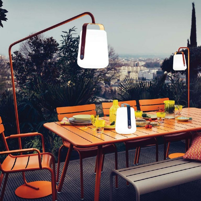 Lampe-a-poser-Fermob-BALAD-Lampe-nomade-LED-outdoor