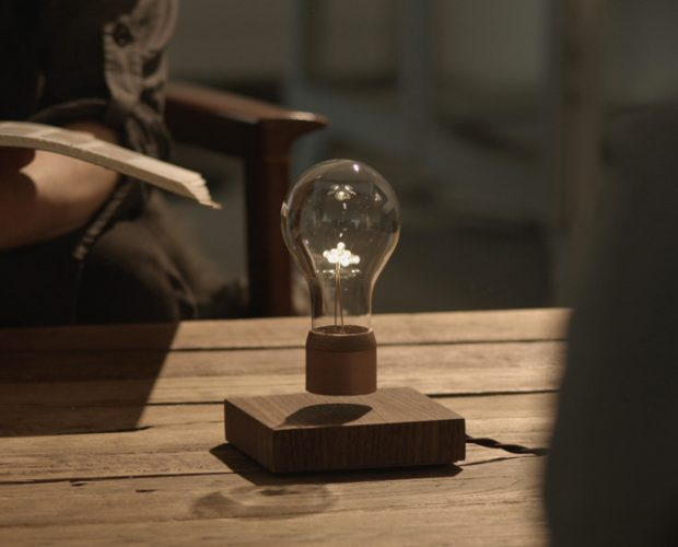 Flyte Lamp lightbulb